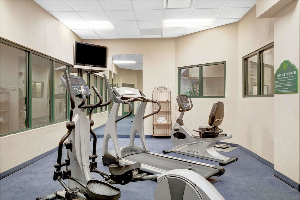 Fitness Facility, Wingate by Wyndham Atlanta Airport Fairburn
