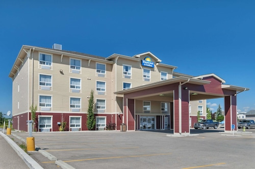 Days Inn & Suites by Wyndham Cochrane