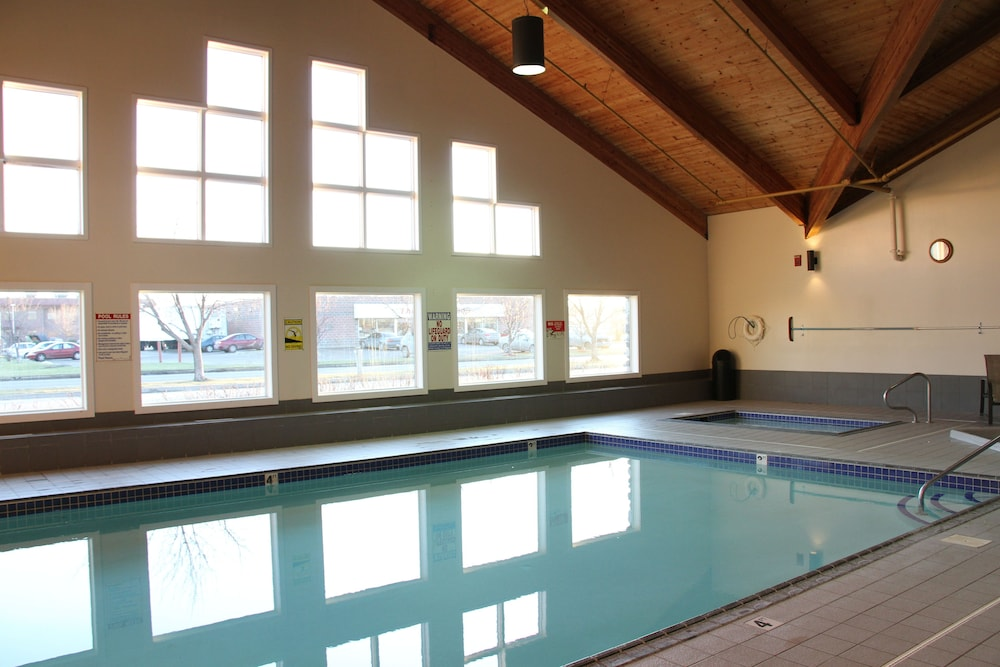 Indoor Pool, C'mon Inn Hotel & Suites