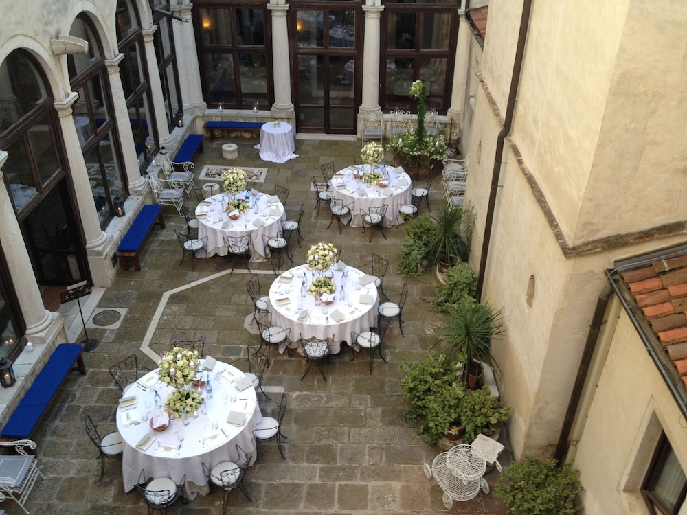 Outdoor Dining, Bauer Palladio Hotel & Spa