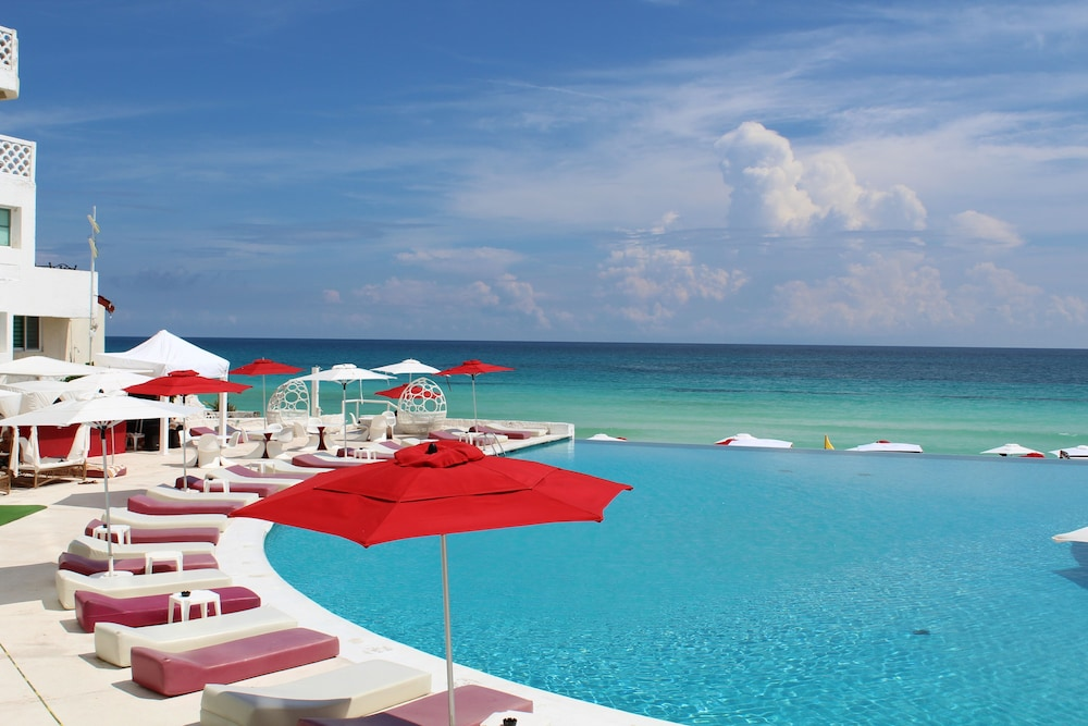 Infinity Pool, Bel Air Collection Resort & Spa Cancun