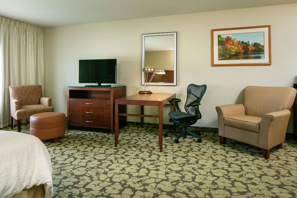 Living Area, Hilton Garden Inn Omaha West