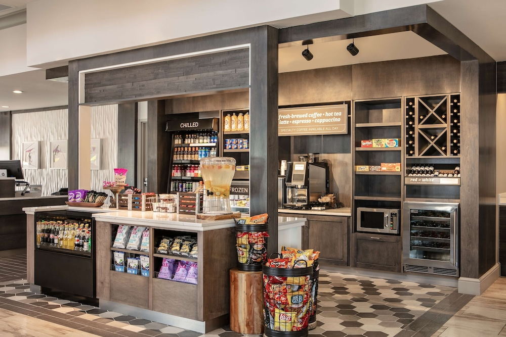 Snack Bar, Hilton Garden Inn Omaha West