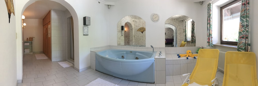 Hotel Schone Aussicht Deals Reviews Salzburg Aut Wotif