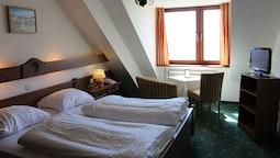 Hotel Schone Aussicht 2019 Room Prices 91 Deals Reviews Expedia