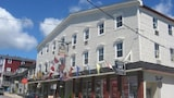 Smugglers Cove Inn - Lunenburg Hotels