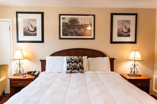 Check Expedia for Availability of Lockhart Inn