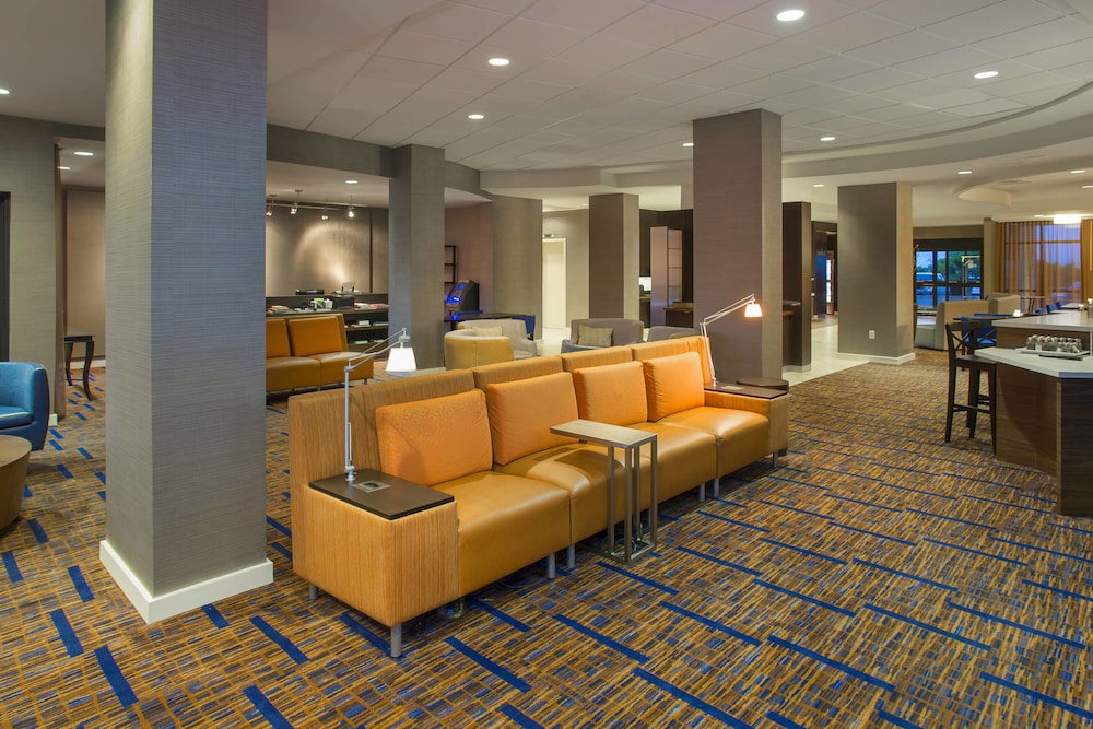 Courtyard by Marriott Austin Airport: 2019 Room Prices $93, Deals