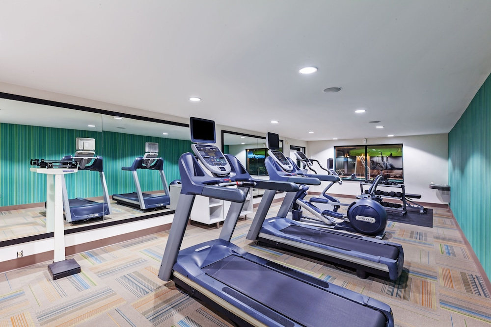 Fitness Facility, Holiday Inn Express Tulsa S Broken Arrow Hwy 51