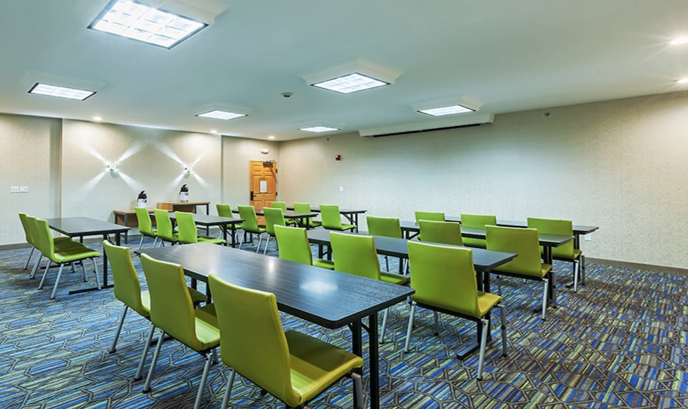 Meeting Facility, Holiday Inn Express Tulsa S Broken Arrow Hwy 51