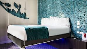 Select-Comfort-Betten, Zimmersafe, individuell dekoriert, Schreibtisch