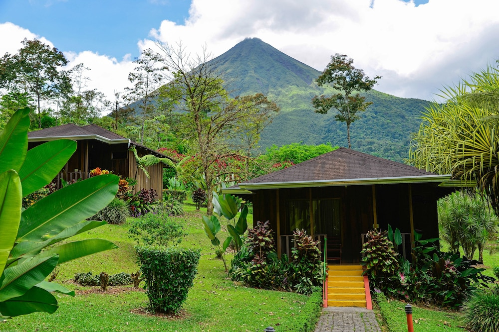 Front of Property, Hotel Lomas del Volcán