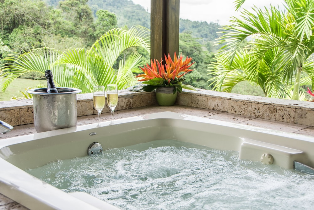 Jetted Tub, Hotel Lomas del Volcán