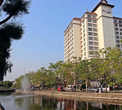 亞摩拉塔貝飯店