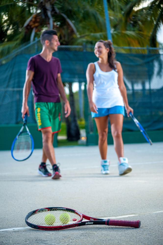 Tennis Court,  Caribe Deluxe Princess Beach Resort & Spa