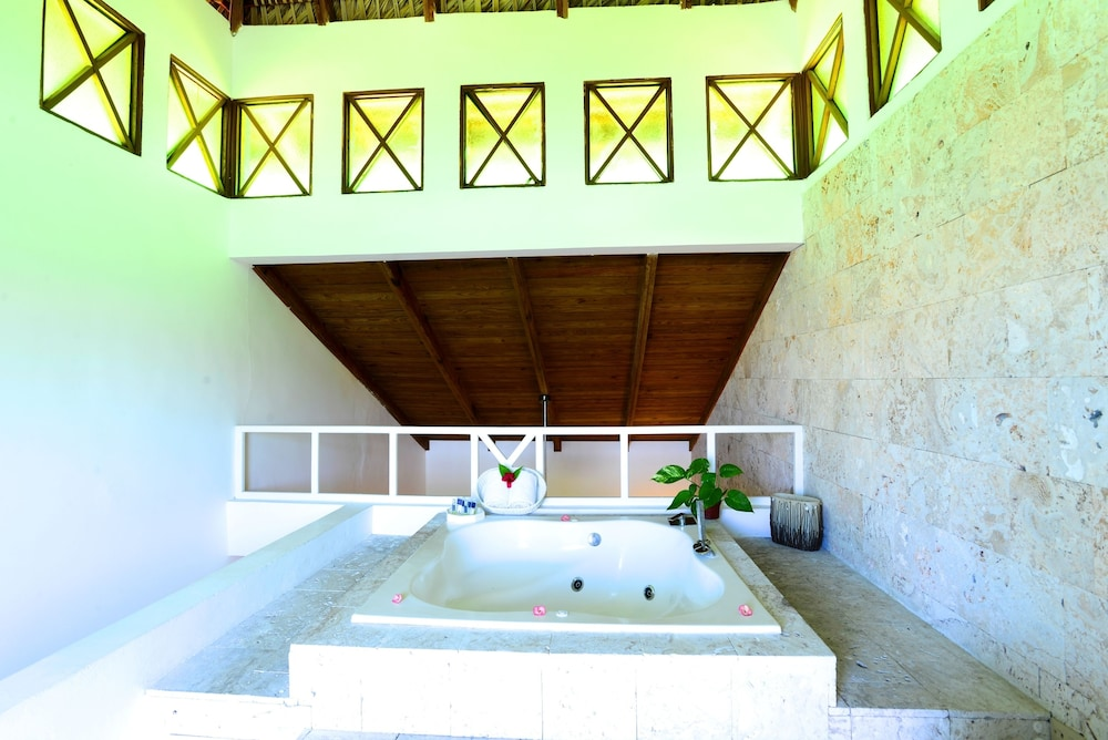 Jetted Tub,  Caribe Deluxe Princess Beach Resort & Spa