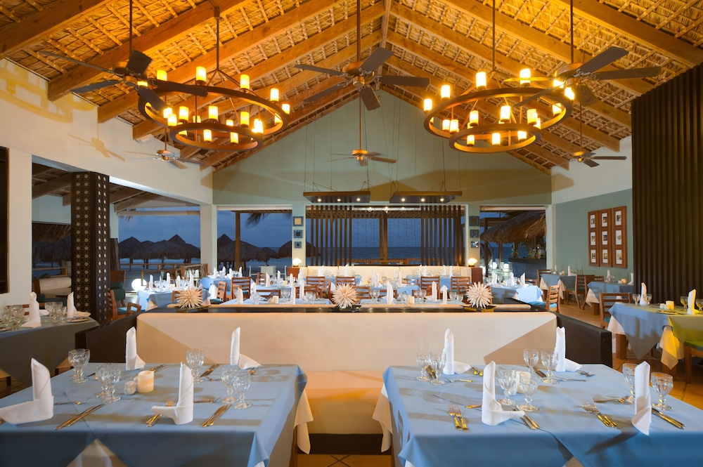 Dining,  Caribe Deluxe Princess Beach Resort & Spa