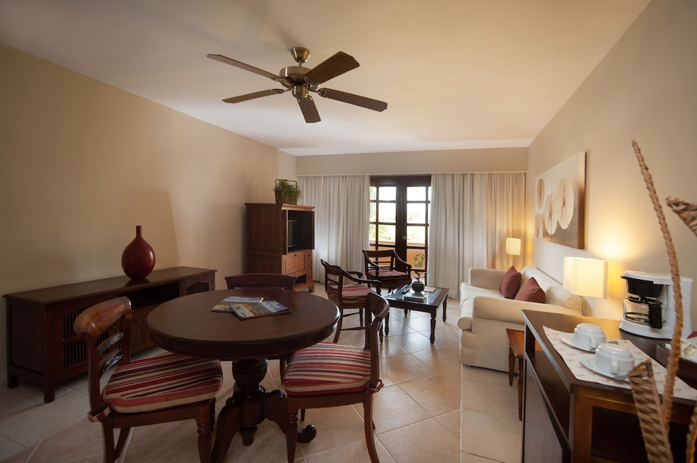 Living Area,  Caribe Deluxe Princess Beach Resort & Spa