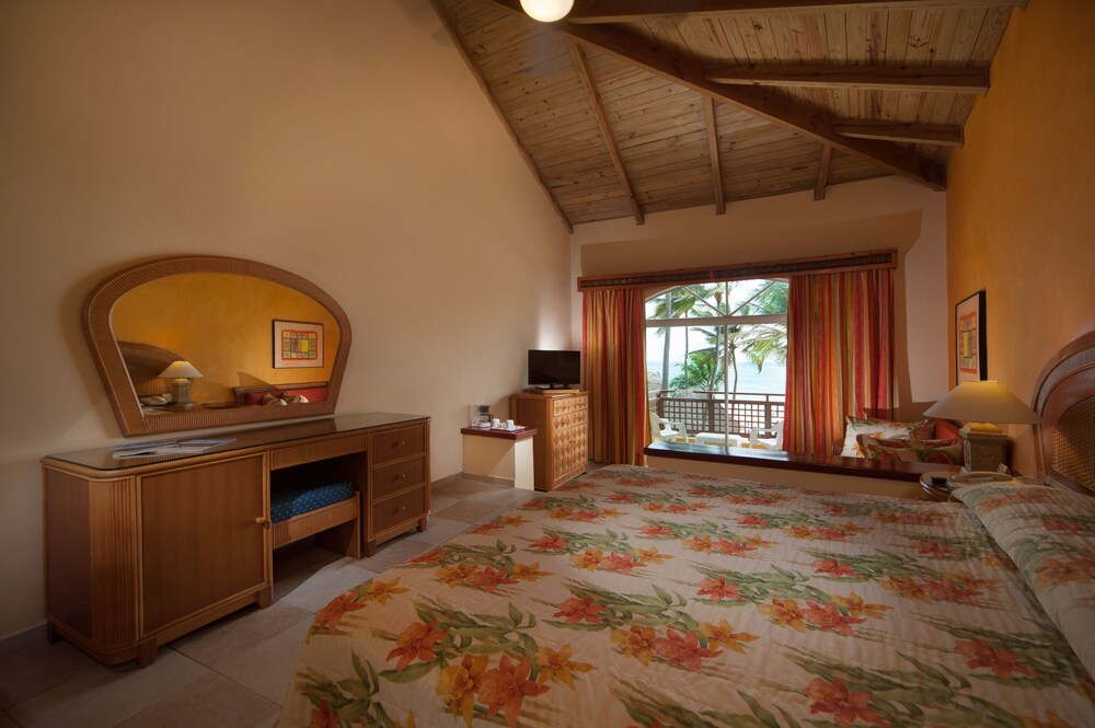 Room,  Caribe Deluxe Princess Beach Resort & Spa
