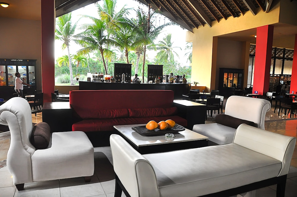 Executive Lounge,  Caribe Deluxe Princess Beach Resort & Spa