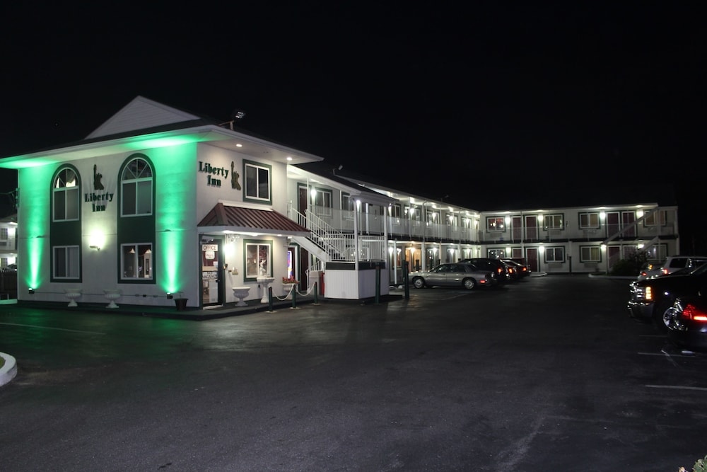 Front of Property - Evening/Night, Liberty Inn Atlantic City