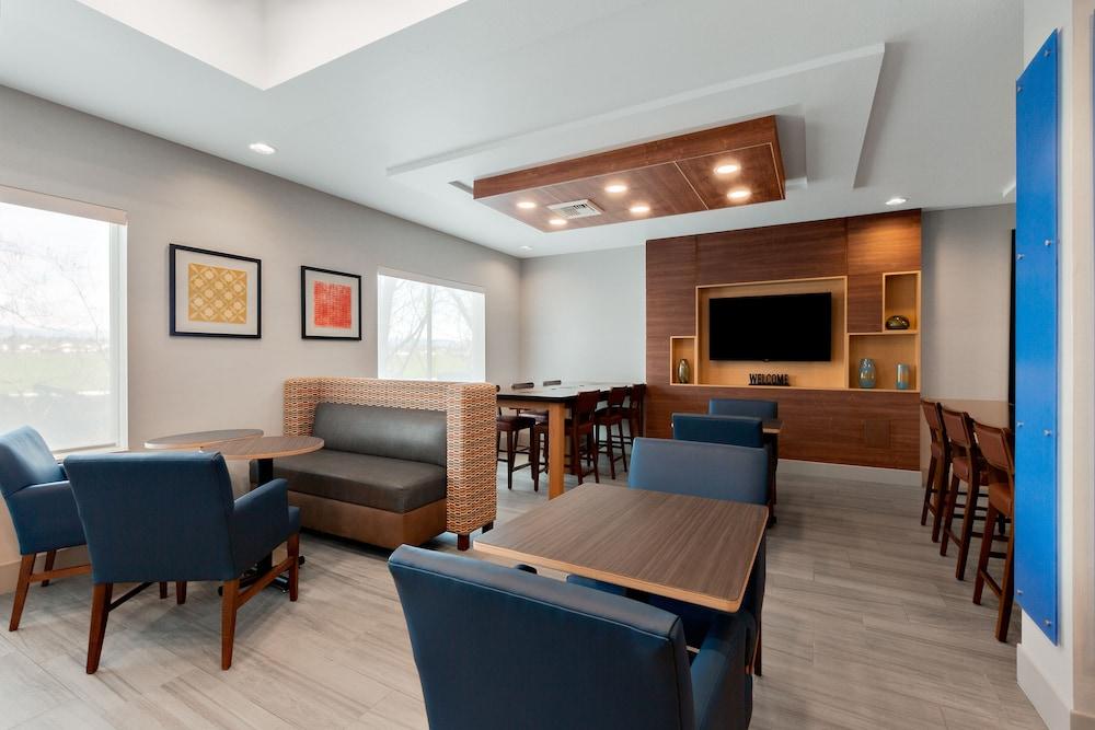 holiday inn express ellensburg reviews photos rates. Black Bedroom Furniture Sets. Home Design Ideas