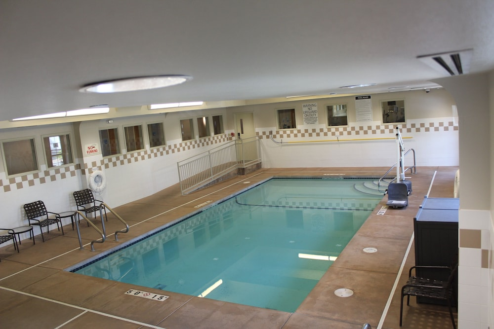 Pool, Holiday Inn Express Hotel & Suites Cheney-University Area, an IHG Hotel
