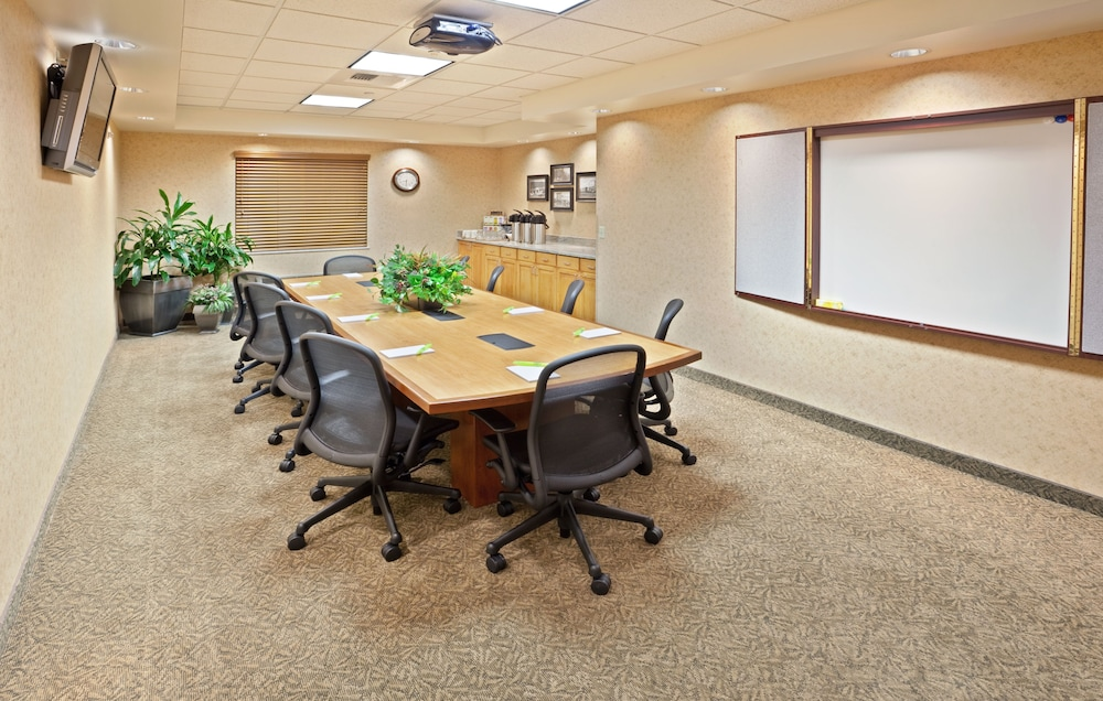 Meeting Facility, Holiday Inn Express Hotel & Suites Cheney-University Area, an IHG Hotel
