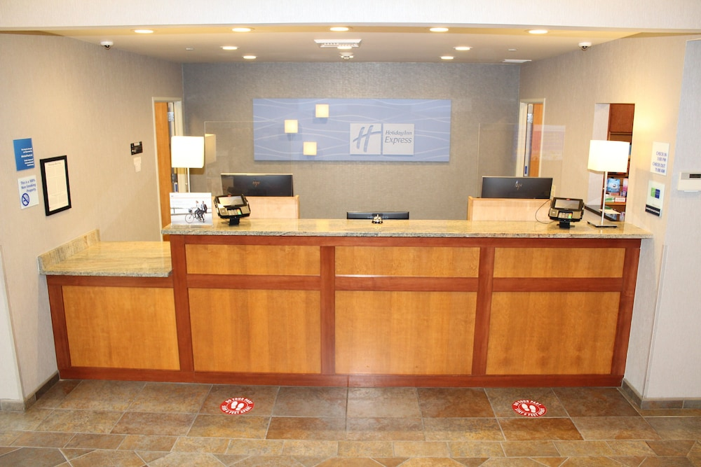 Lobby, Holiday Inn Express Hotel & Suites Cheney-University Area, an IHG Hotel