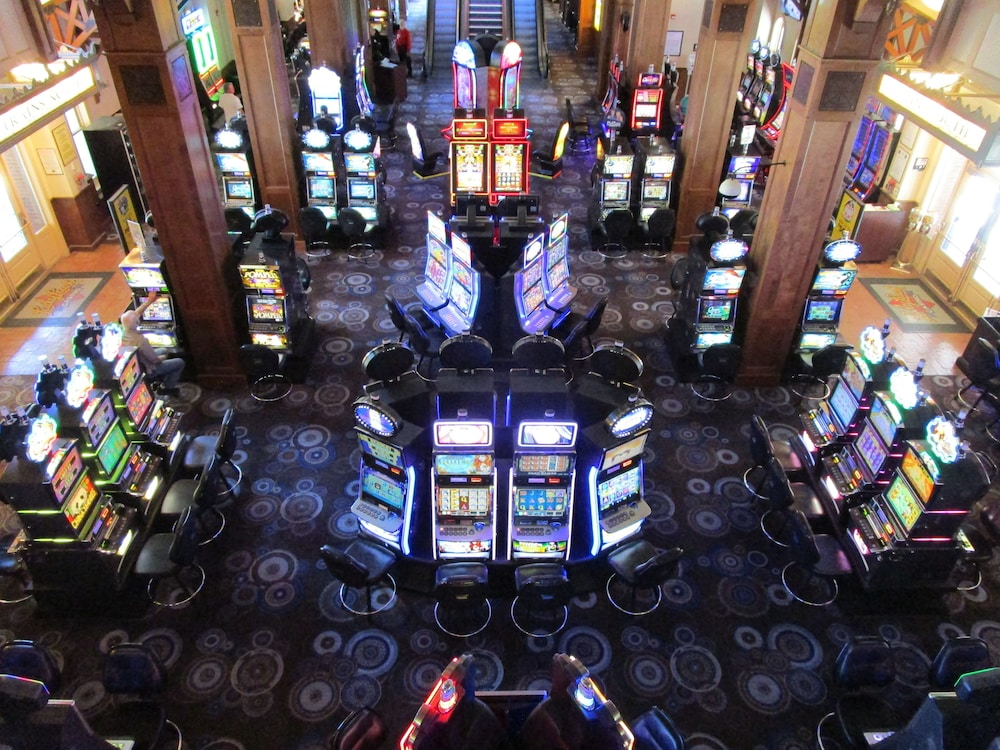 Lady Luck Casino Review