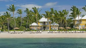 Playa privada y kayak