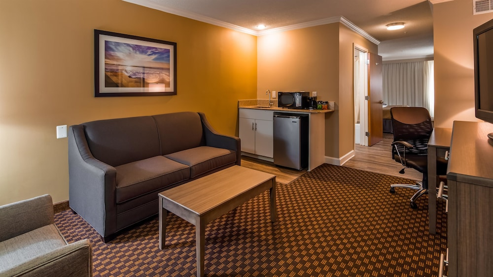 Living Area, Best Western Ocean City Hotel & Suites
