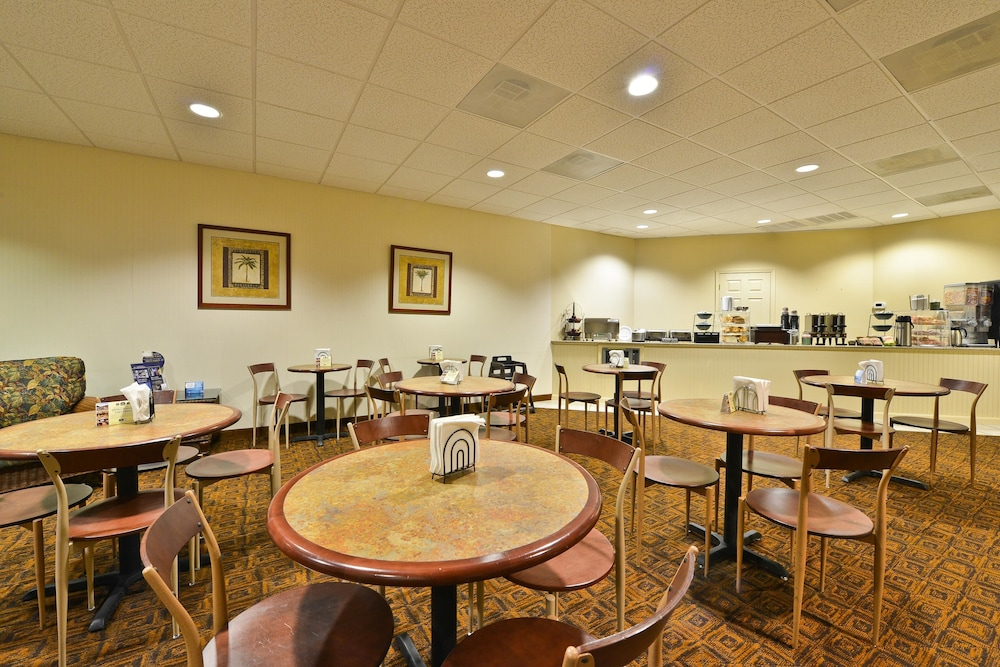 Breakfast Area, Best Western Ocean City Hotel & Suites