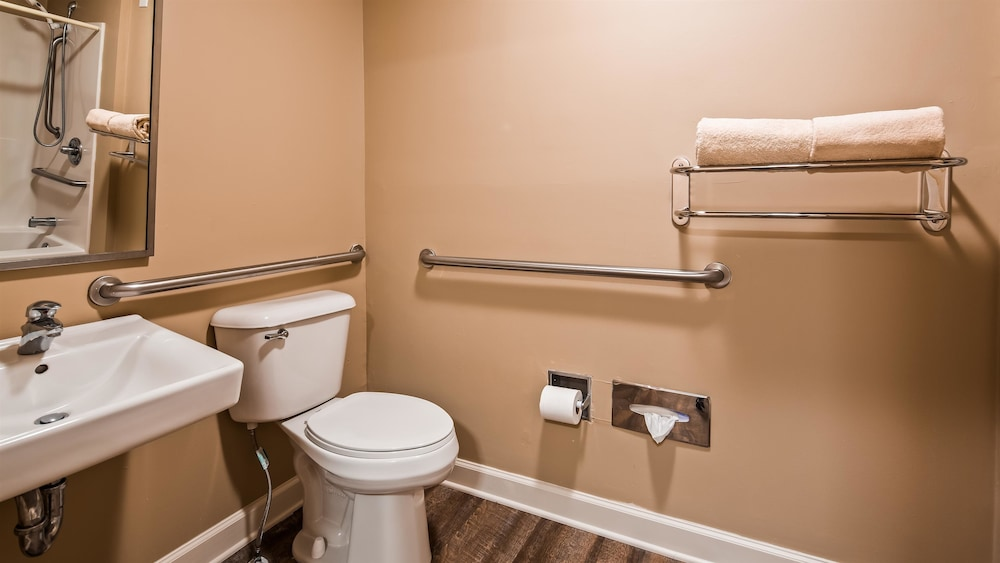 Bathroom, Best Western Ocean City Hotel & Suites