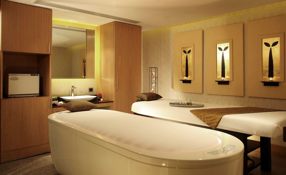 Spa, Radisson Blu Plaza Delhi Airport