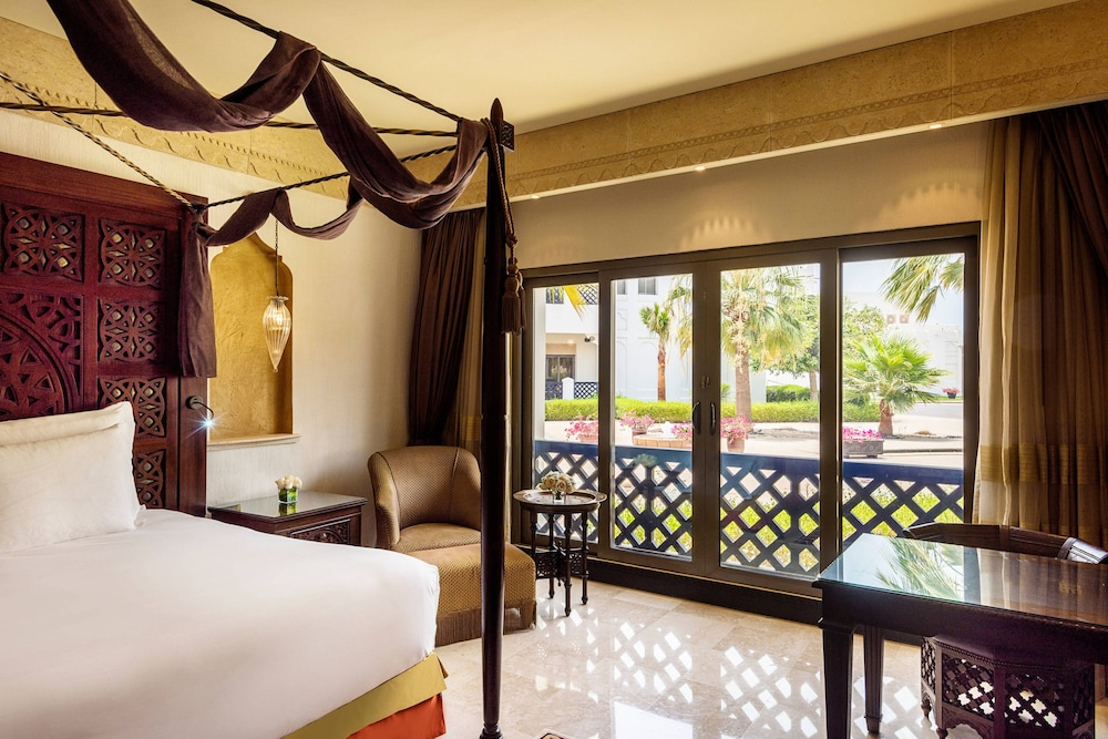 Room, Sharq Village & Spa, a Ritz-Carlton Hotel