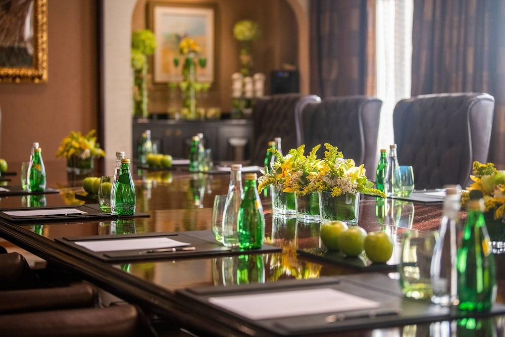 Meeting Facility, Sharq Village & Spa, a Ritz-Carlton Hotel