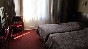 Desk, rollaway beds, WiFi