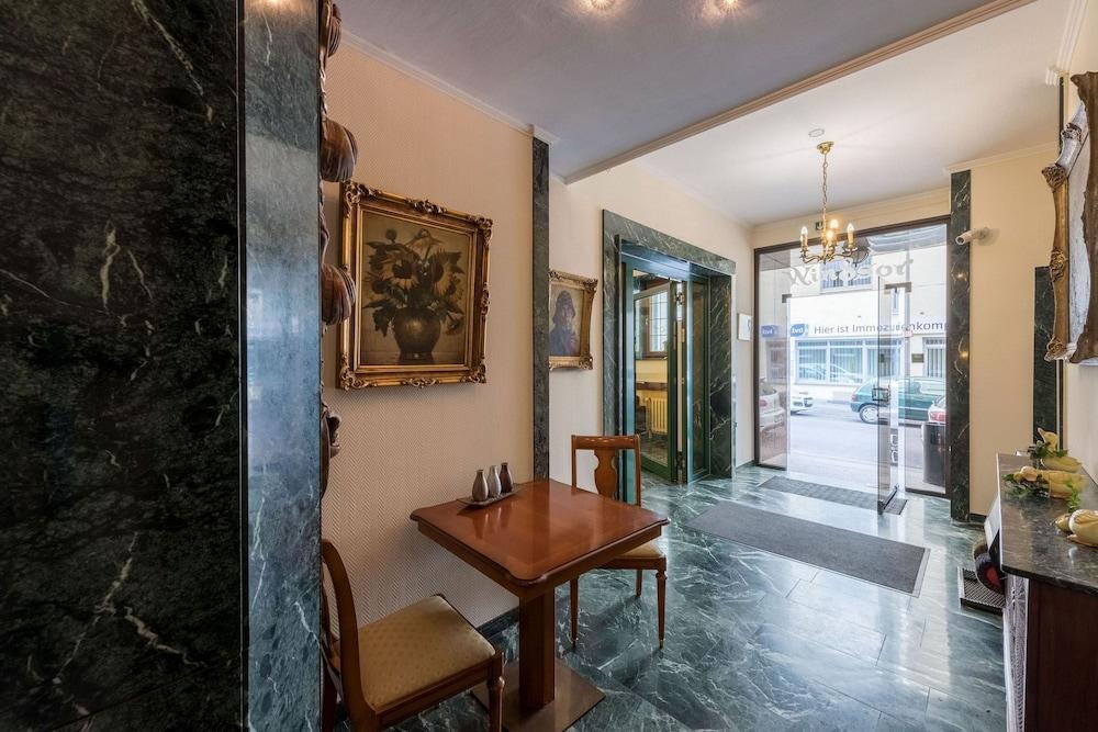 windsor hotel in cologne hotel rates reviews on orbitz. Black Bedroom Furniture Sets. Home Design Ideas