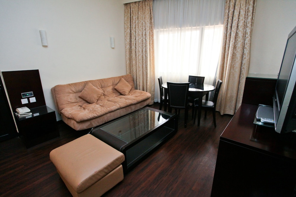 Living Area, Hotel Royal @ Queens (SG Clean)