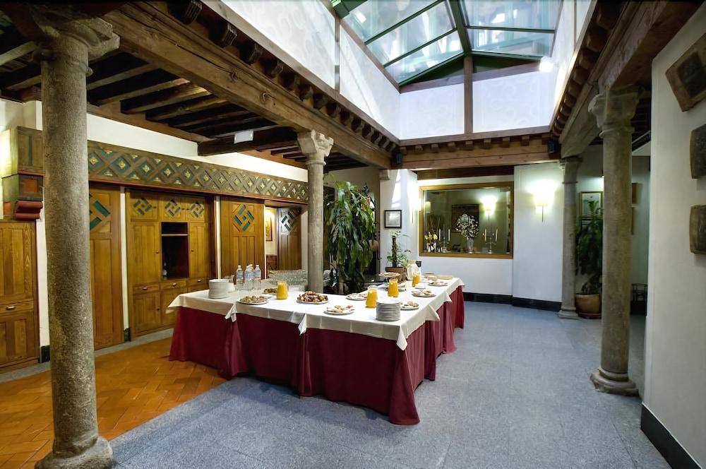 Hotel la casa mud jar hospeder a segovia room prices reviews travelocity - Hotel casa mudejar segovia ...