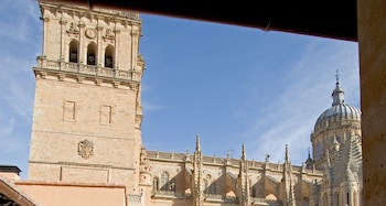 Plaza Juan XXIII, 5, 37008 Salamanca, Spain.