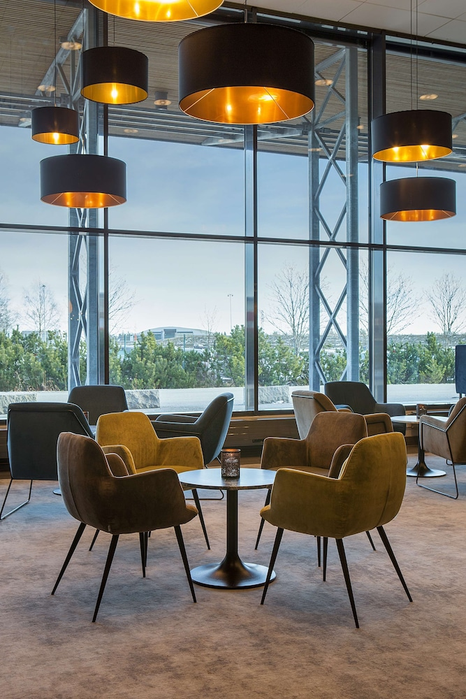 Lobby Sitting Area, Park Inn by Radisson Oslo Airport Hotel West