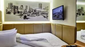 Egyptian cotton sheets, premium bedding, desk, free WiFi
