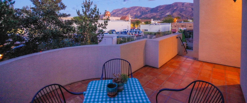Terrace/Patio, Santa Paula Inn