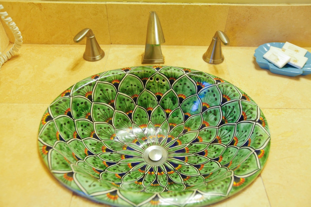 Bathroom Sink, Santa Paula Inn