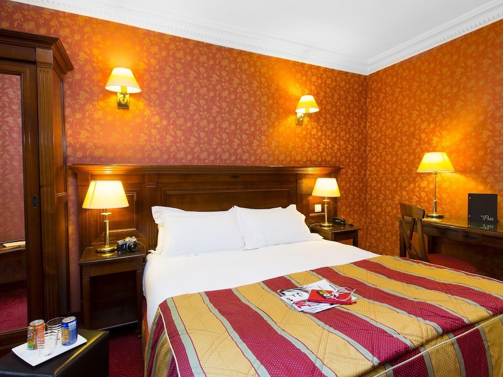 Hotel De La Paix In Paris Hotel Rates Reviews On Orbitz