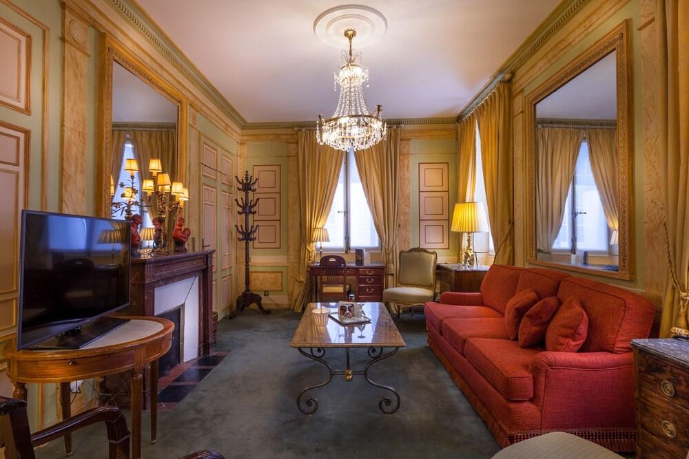 Book Duc de Saint-Simon | Paris Hotel Deals