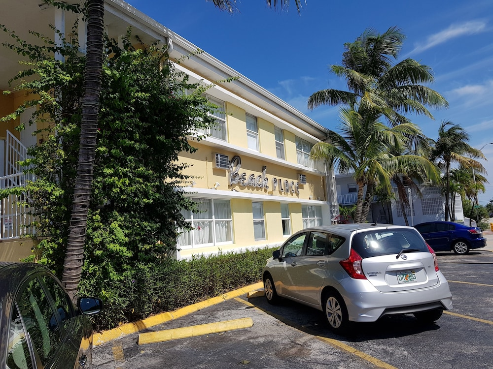 Parking, Beach Place Hotel