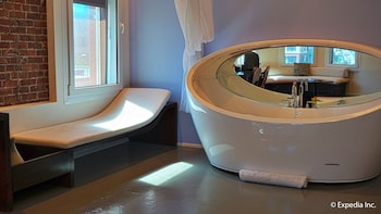 Imperiale One Bedroom Suite - Jetted Tub